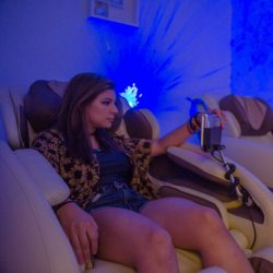 New Client Deal: 30 Minutes for Price of 20 Zero-Gravity Massage Chair Session