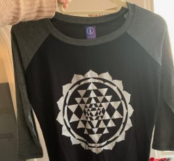 SHIRT: Baseball Tee Charcoal / Black MODAL w. Sri Chakra