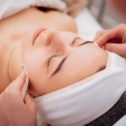 AntiGravity Facelift Massage Spa Experience