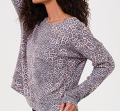 Onzie High Low Sweater, pounce
