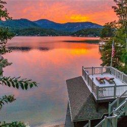 Lake Lure Retreat (SHARED ROOM)