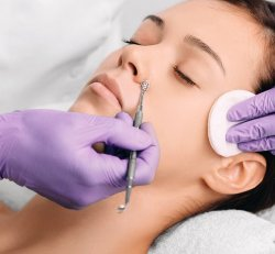 Extraction + Retinol Booster - Skin Care Treatment Add on